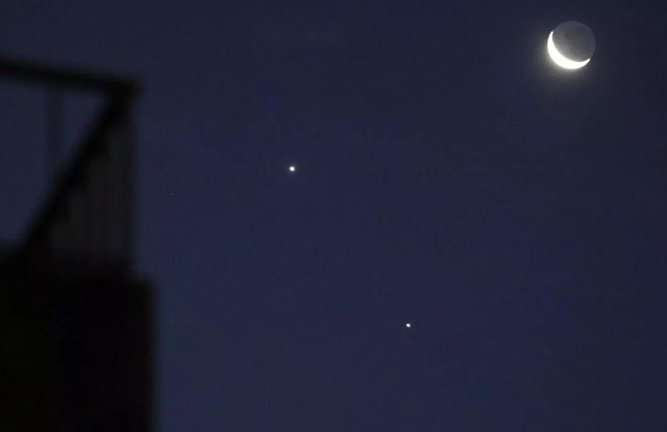 Планеты в ночном небе